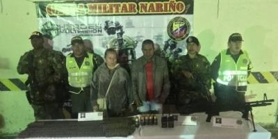 Detienen dos personas con arsenal de guerra pertenciente a Guacho