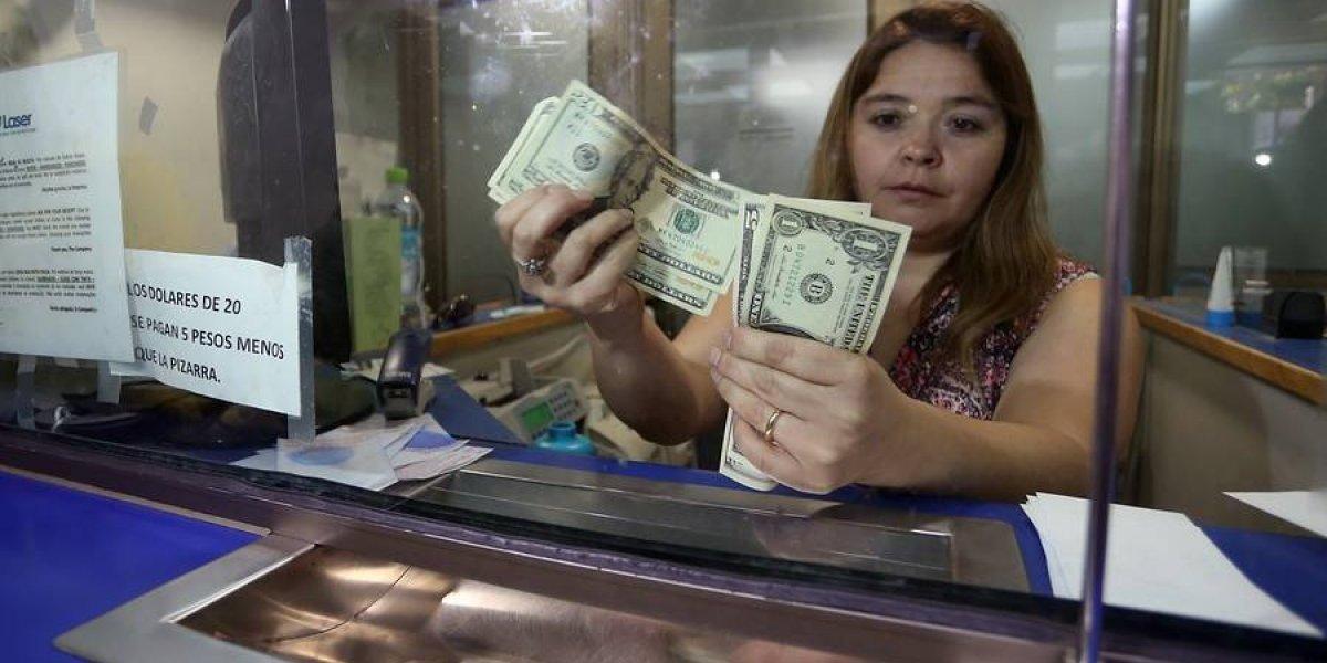 Crisis argentina sigue empujando el dólar en Chile a nuevos máximos