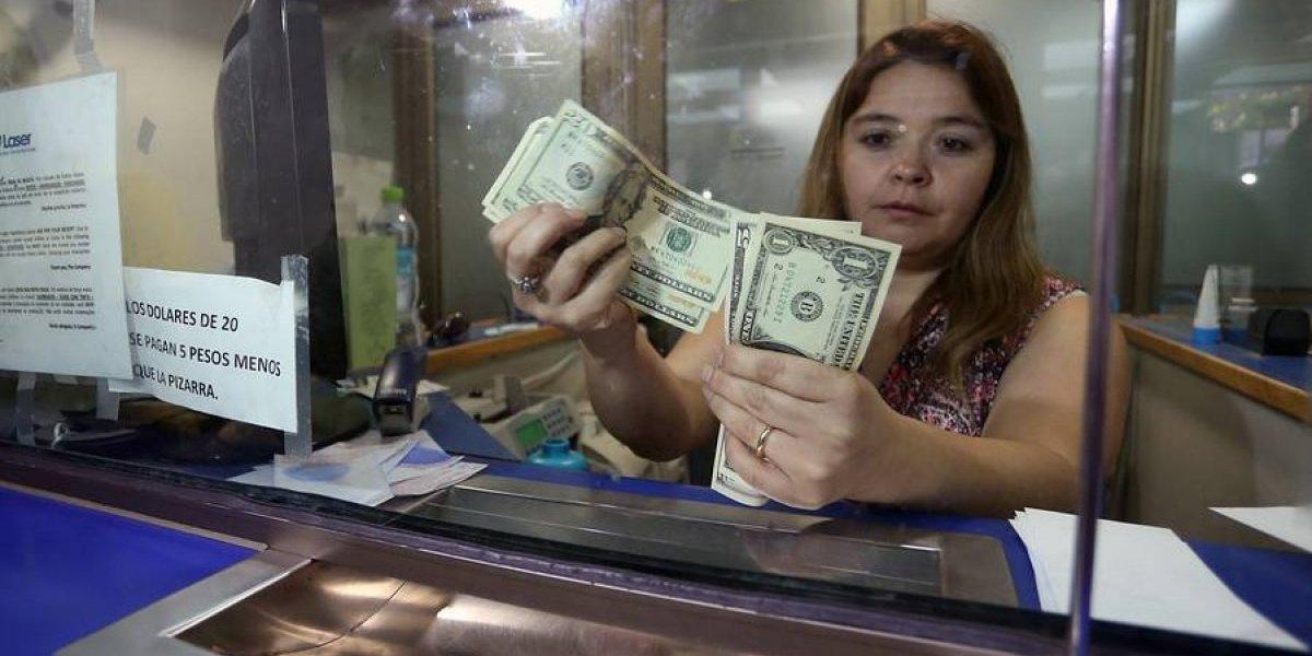 Que alguien lo ataje: dólar queda al borde de los $630