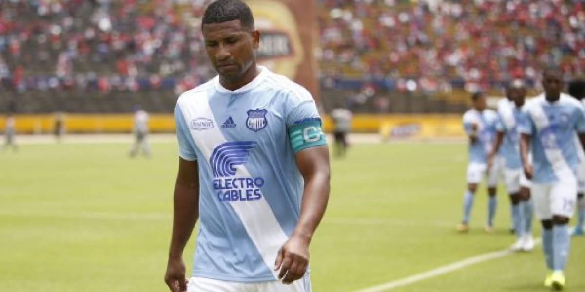 Futbolistas escándalo público Metro Ecuador