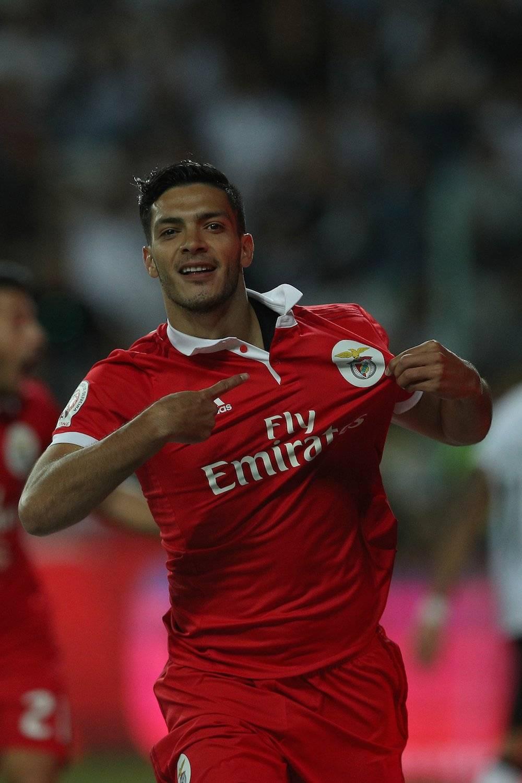 Raúl Jiménez: 2 Ligas de La Liga de Portugal con el Benfica (2016 y 2017) / Getty Images