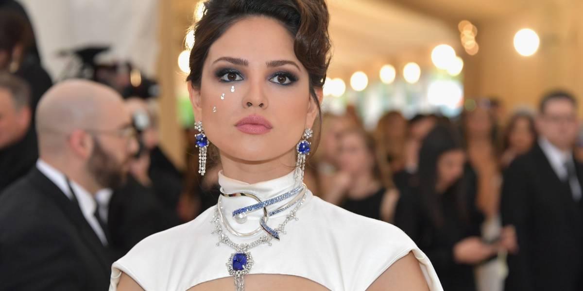Eiza González derrocha sensualidad en la Met Gala