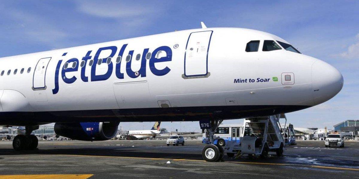 Cancelan vuelo de Jetblue por intoxicación de asistentes de vuelo