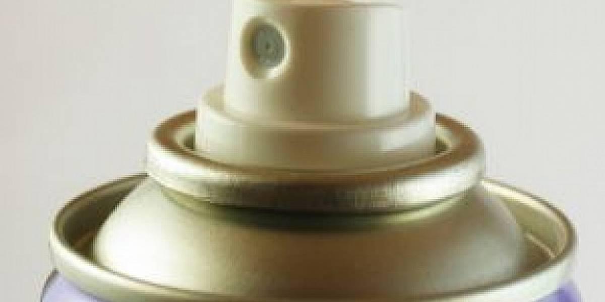 Perigo: 'Desafio do desodorante' deixa jovem com graves queimaduras