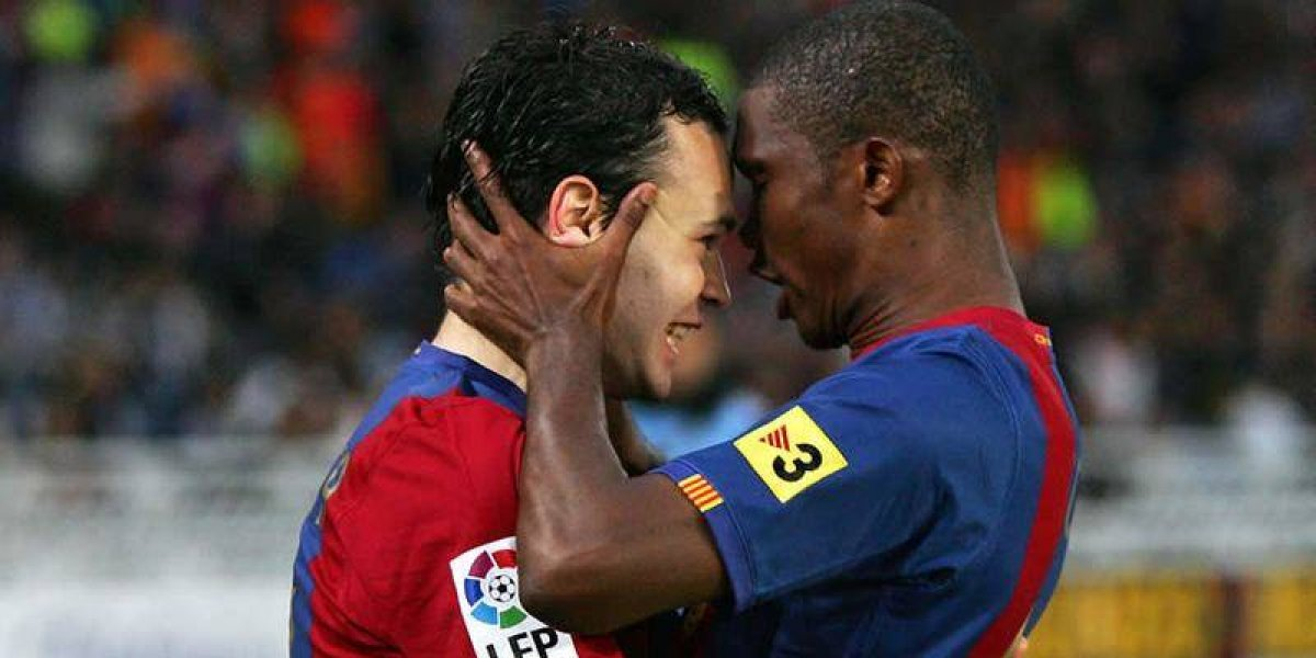 VIDEO: Bloguero marroquí 'ficha' a Eto'o e Iniesta para Mundial 2026