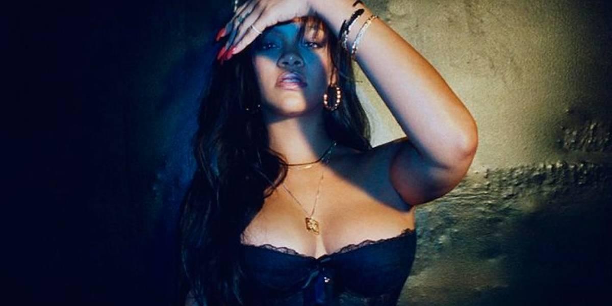 Rihanna posa com sua linha de lingerie sexy e fãs vão à loucura