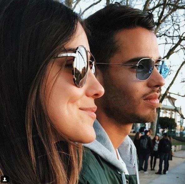 Instagram: vivianaserna