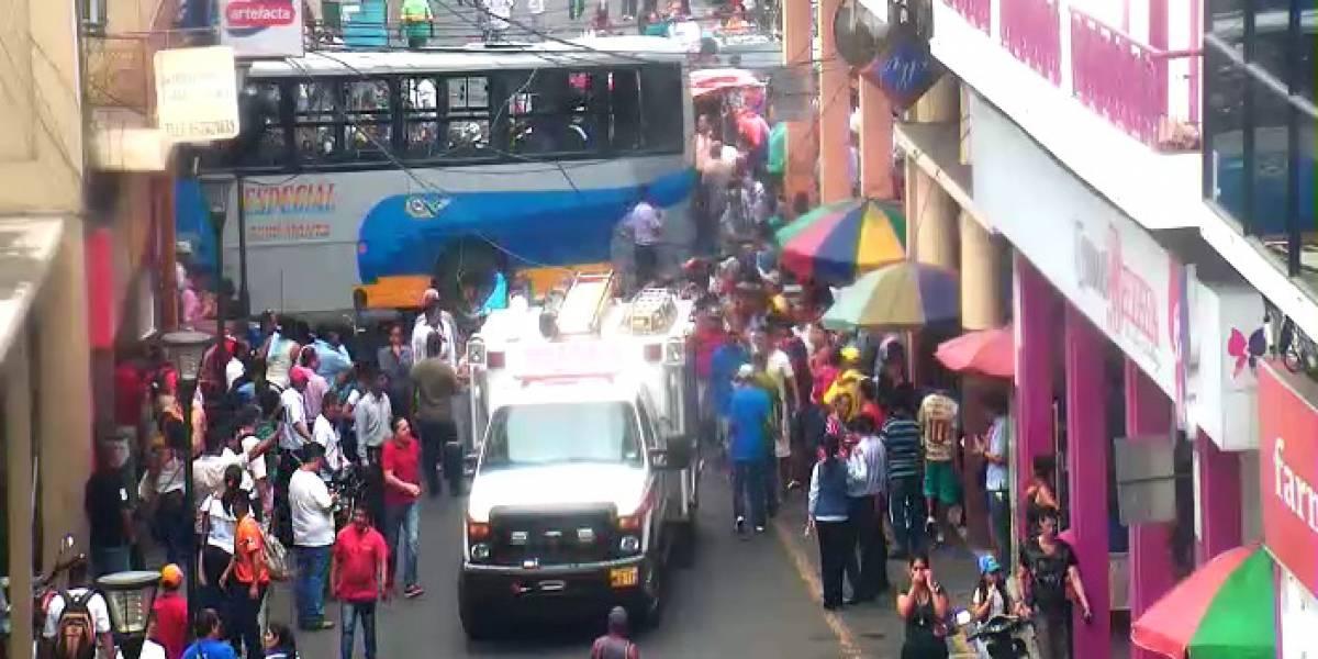 Accidente de tránsito en Manta dejó 11 personas heridas