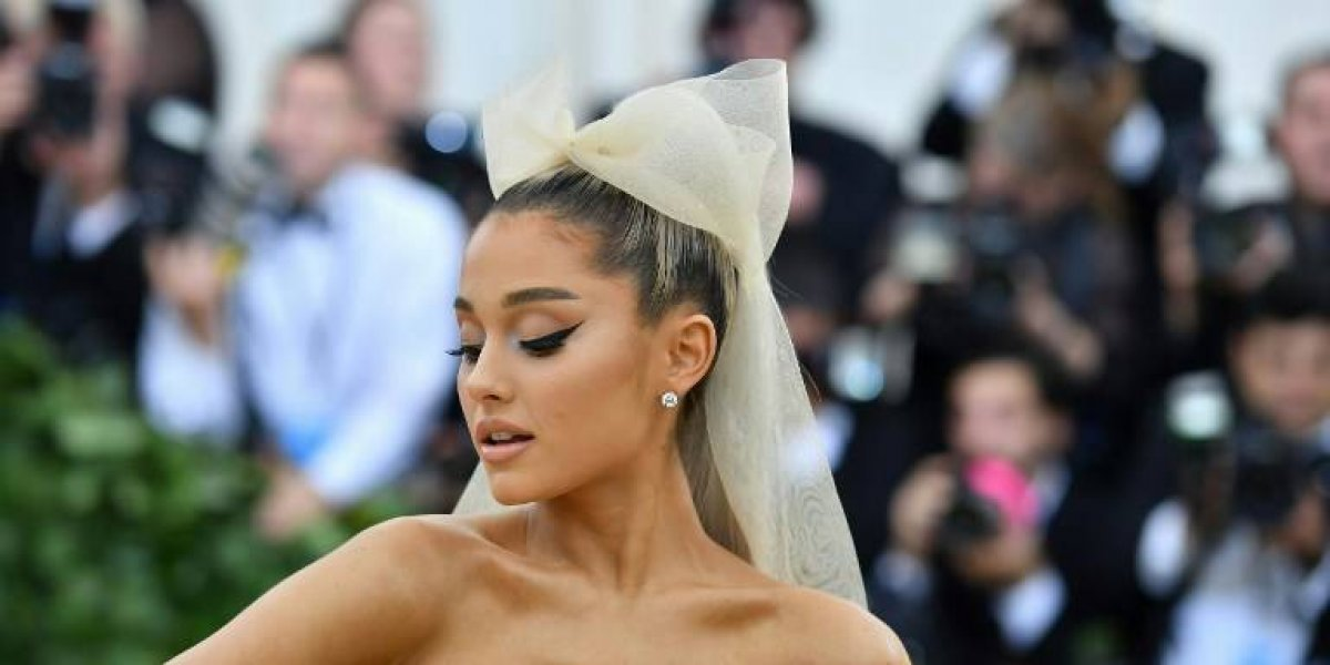 La Capilla Sixtina se convierte en el vestido Ariana Grande en la MET Gala