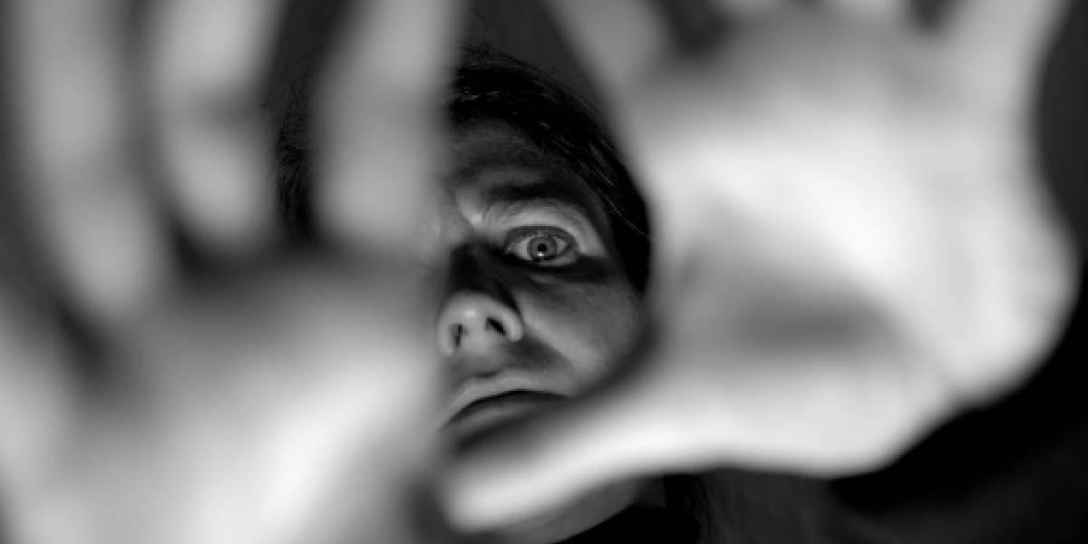 Mujer contrató a un amigo para que abusara sexualmente del hombre que le debía 15 mil dólares