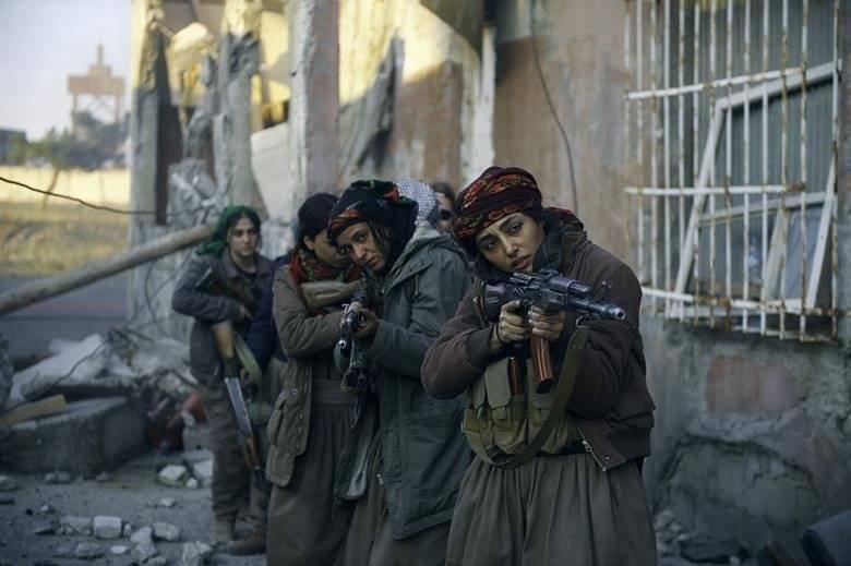 'Girls of the Sun', de Eva Husson. Uma das únicas 3 mulheres na competição, a francesa estreia no evento com este longa sobre um batalhão só de mulheres curdas que combatem extremistas / Divulgação