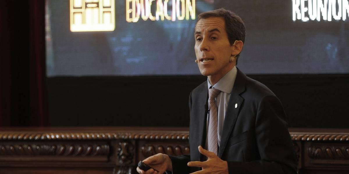 Plan de educación no sexista de Santiago apunta a los emblemáticos: proponen transformarlos en establecimientos mixtos