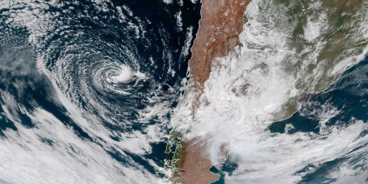 El extraño fenómeno climático en las costas de Chile que llamó la atención de los meteorólogos del mundo
