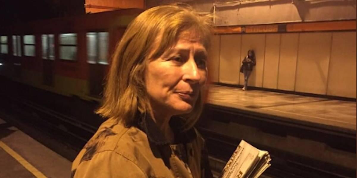 Tatiana Clouthier volantea a favor de AMLO en el Metro