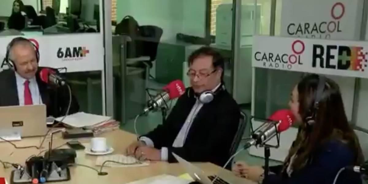 Las duras críticas a Caracol Radio por entrevista a Petro