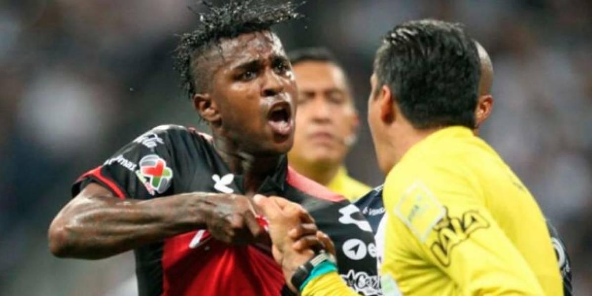 Bolaños protagoniza pelea en pleno partido de la Liga MX