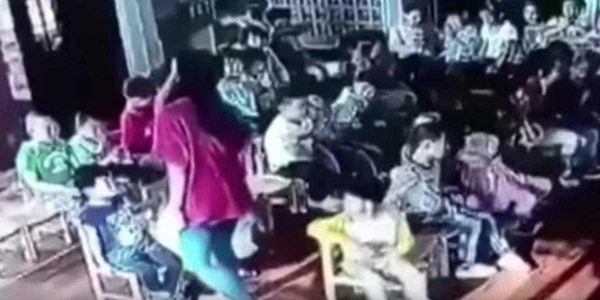 China: Profesora agrede brutalmente a niña de 5 años