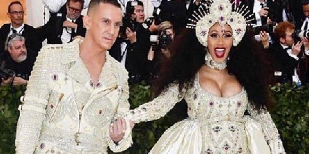 Cardi B desfiló con su pancita en la gala del Met