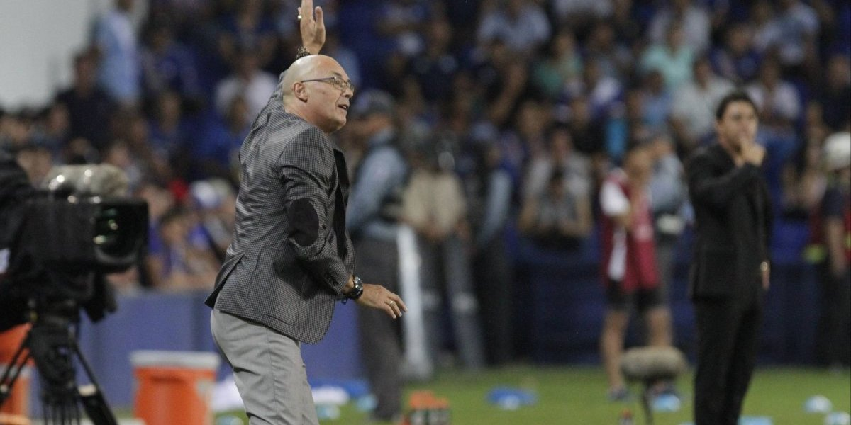 Emelec confirma la renuncia de Alfredo Arias y allana su camino para llegar a la U