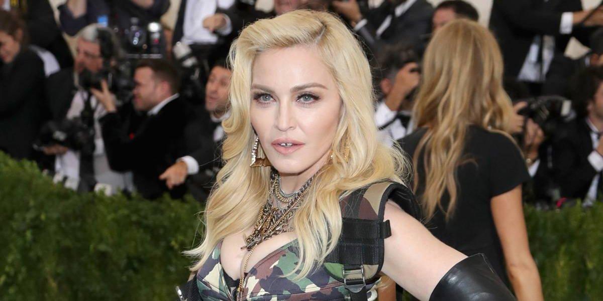 """Madonna """"espanta"""" a sus fans con foto sin nada de ropa a los 60 años"""