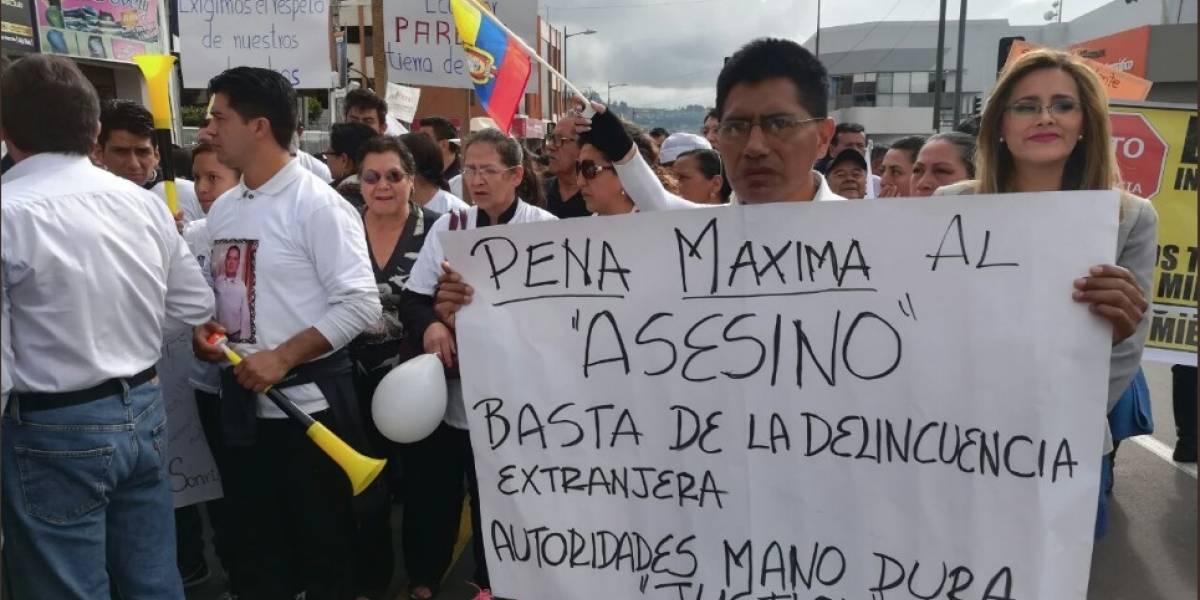 Ambato: Marcha para pedir justicia por la muerte del taxista Manuel Alarcón