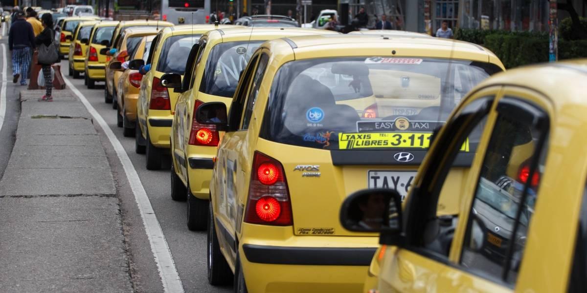 ¡El colmo!, taxistas contratados para transportar votantes reclaman que no les han pagado