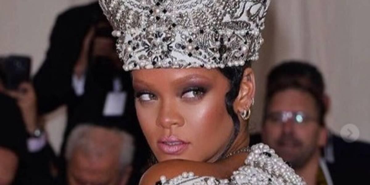 Met Gala 2018: Rihanna usa look inspirado no papa