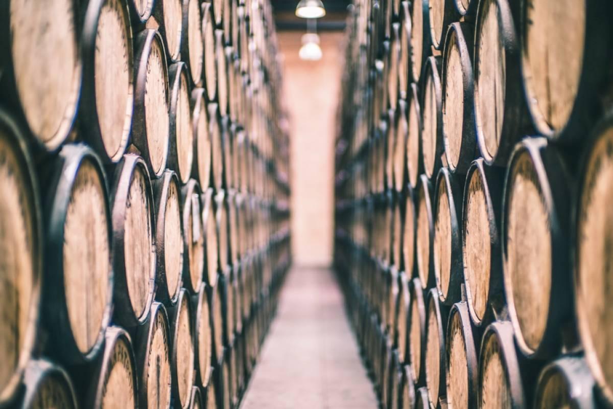 La marca conserva en barricas de diferentes tipos de roble el tequila, según el tipo que sea. Cortesía