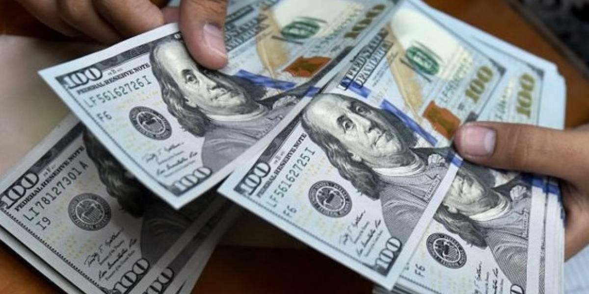 Dólar sube a $20.41 tras anuncio de aranceles al acero de Trump