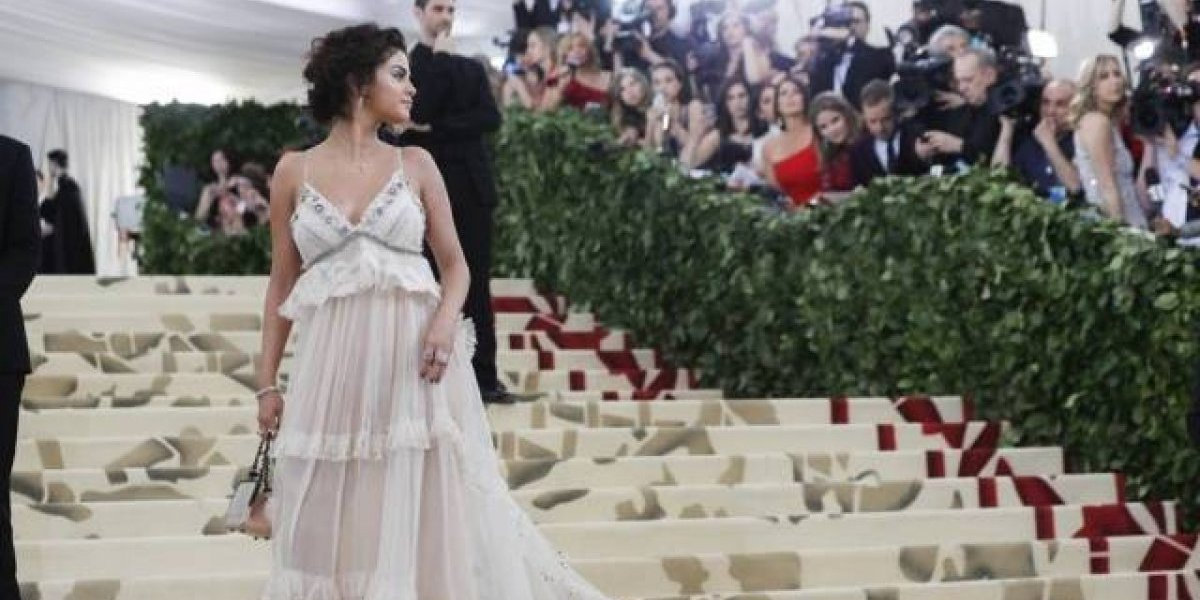 Selena Gomez enfrenta drama por causa do seu look no MET Gala