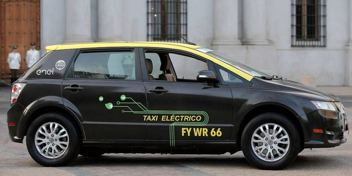 ¿El chico eléctrico del sur? Chile contará con 60 taxis con enchufe y le ganará a sus vecinos en electromovilidad