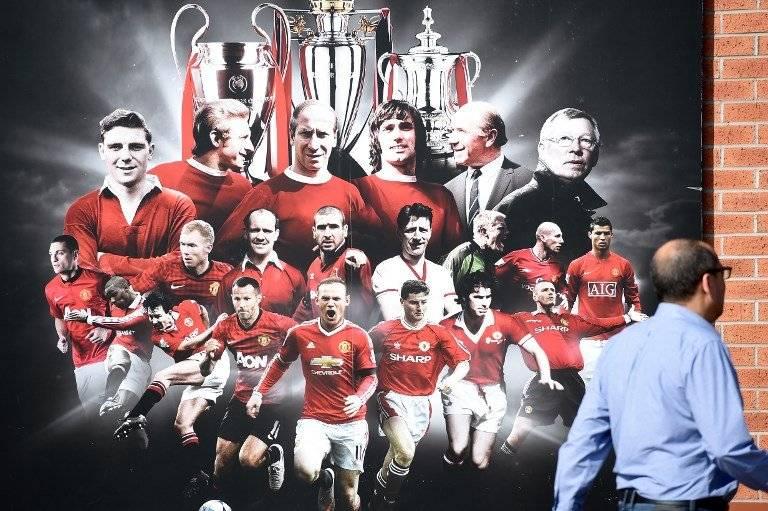 Mural del Manchester United donde aparece Sir Alex Ferguson