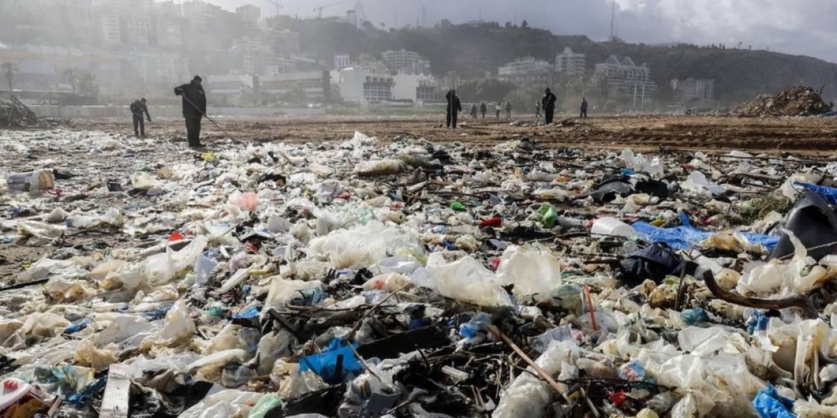 No Líbano, cidadãos se unem para combater as montanhas de lixo