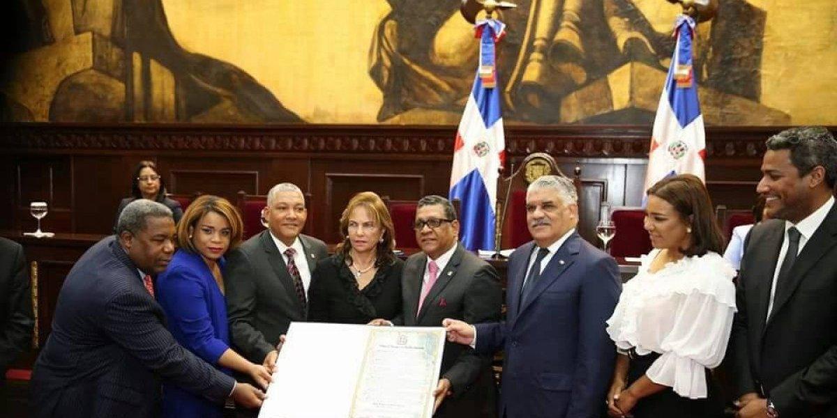 Cámara de Diputados homenajea a Peña Gómez en 20 aniversario de su muerte