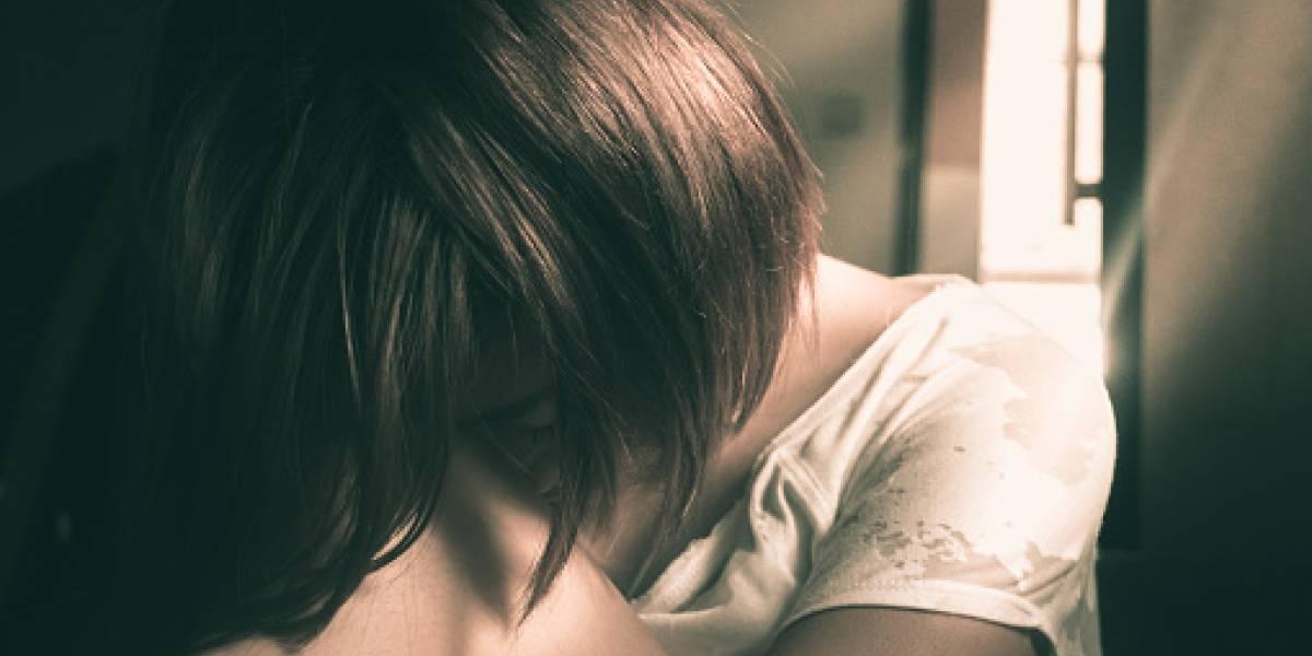 Ecuatoriano es detenido en España por presunto abuso sexual de su hijastra