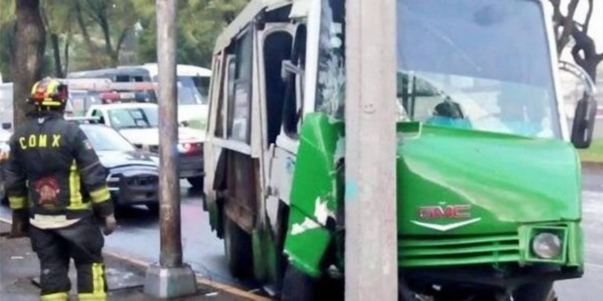 Choque de microbús en Tlalpan deja al menos 8 lesionados