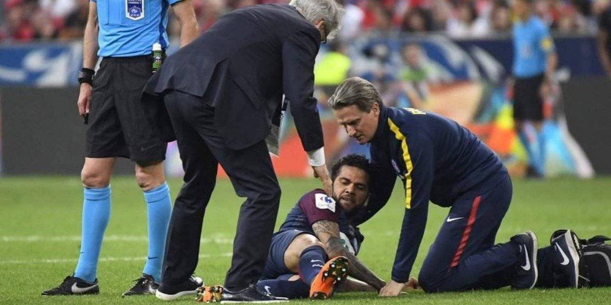 ¿Adiós Rusia 2018? Dani Alves estará tres semanas sin jugar y podría ser operado