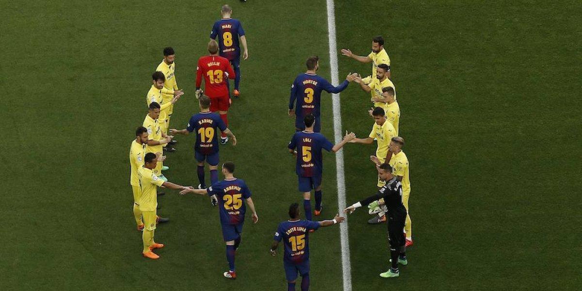 Villarreal rinde honores al Barcelona con el pasillo