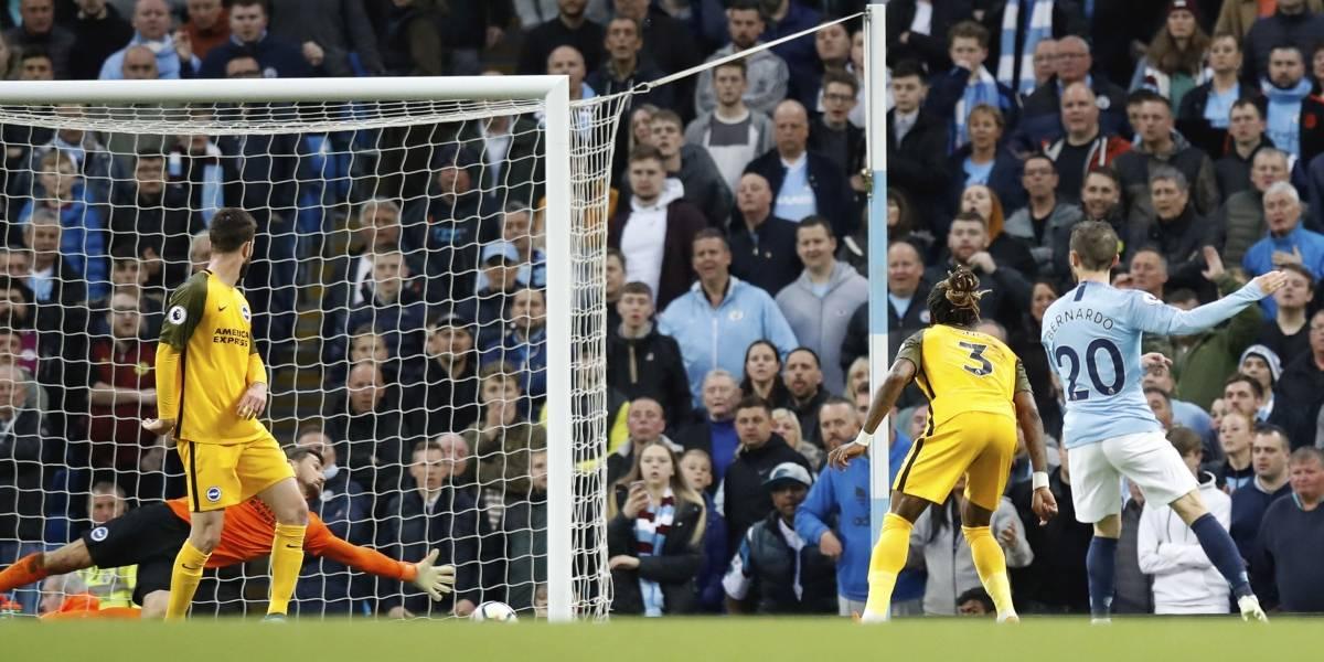 Claudio Bravo no lo pasó bien en su primer partido de la temporada como titular en la Premier
