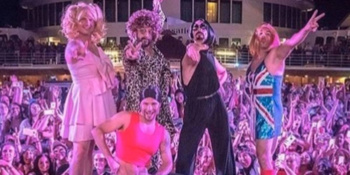 SpiceBoys: Backstreet Boys pagam mico e imitam Spice Girls em cruzeiro