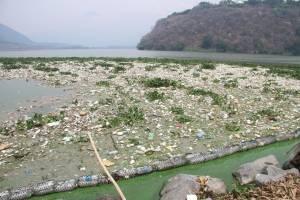 Limpieza del lago de Amatitlán
