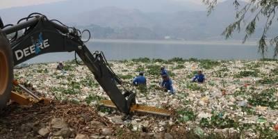 Limpieza lago de Amatitlán