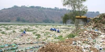 Limpieza basura del lago de Amatitlán