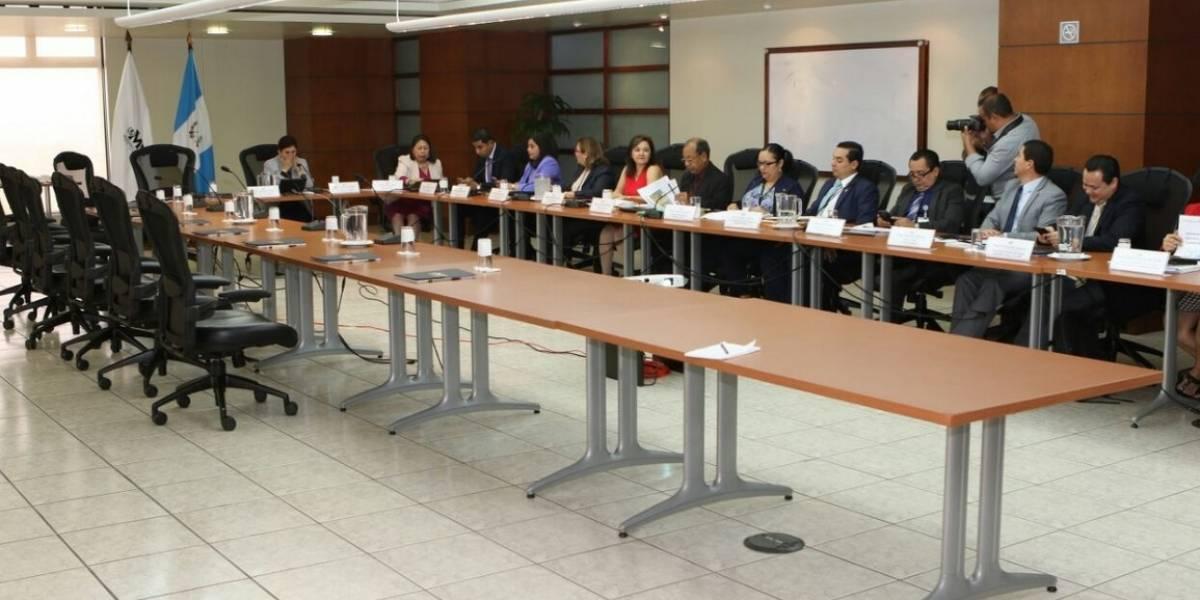 Ausencia de fiscal general electa impide inicio de transición en el MP