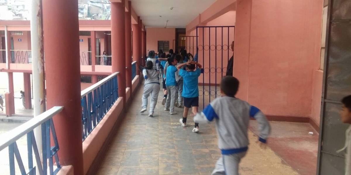 Evacuan escuela en Quito por posible artefacto explosivo