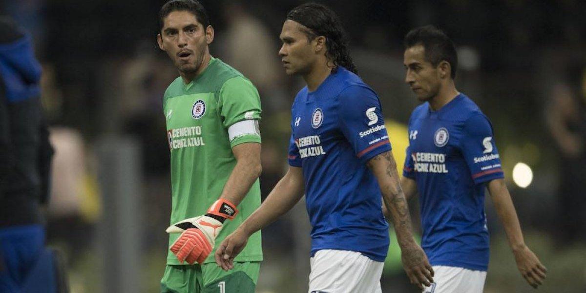 Carlos 'Gullit' Peña será baja del Cruz Azul