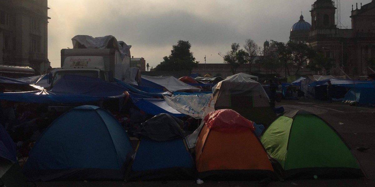 Así luce esta mañana la Plaza de la Constitución con la protesta de maestros