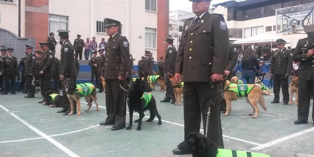 61 canes de la Policía Nacional recibieron la baja con honores