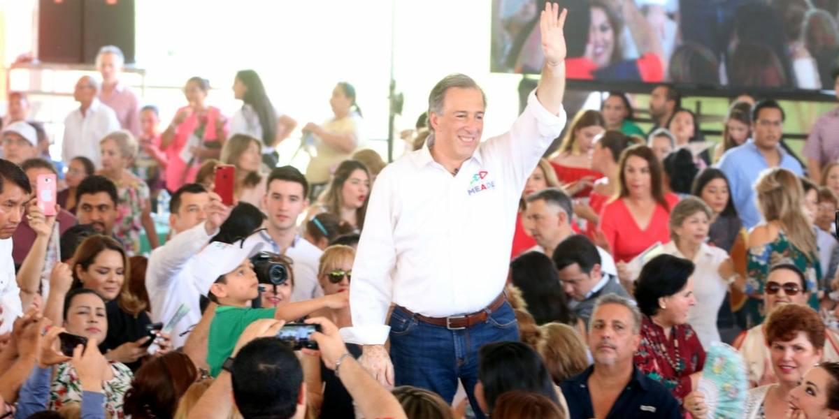 Meade promete salario mensual de mil 200 pesos a jefas de familia