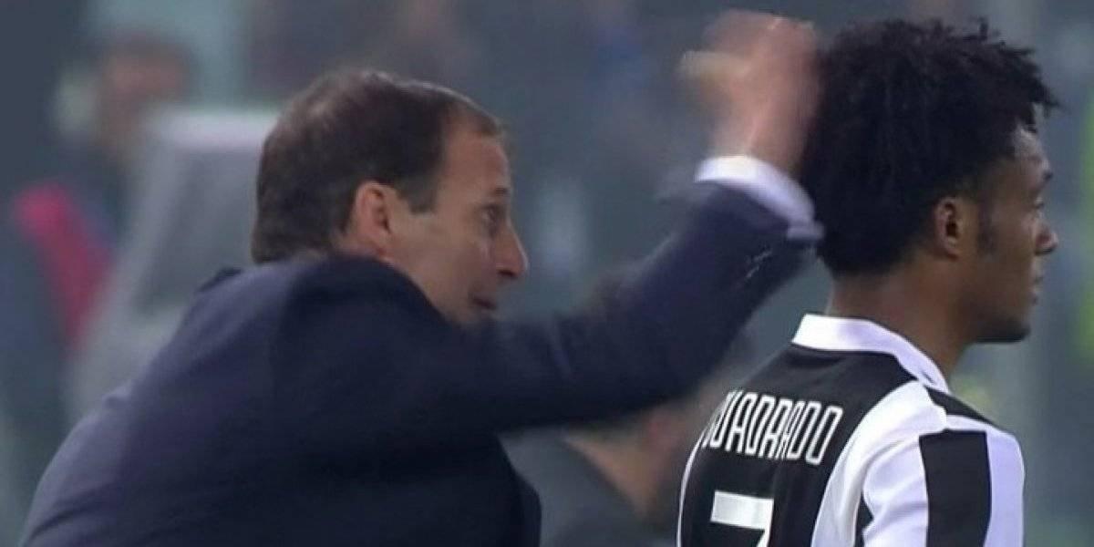 VIDEO. Técnico de la Juventus da un coscorrón a Cuadrado y este se venga